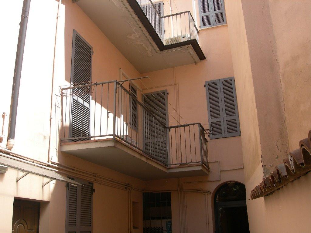 Bilocale, Centro Storico, Piacenza, abitabile