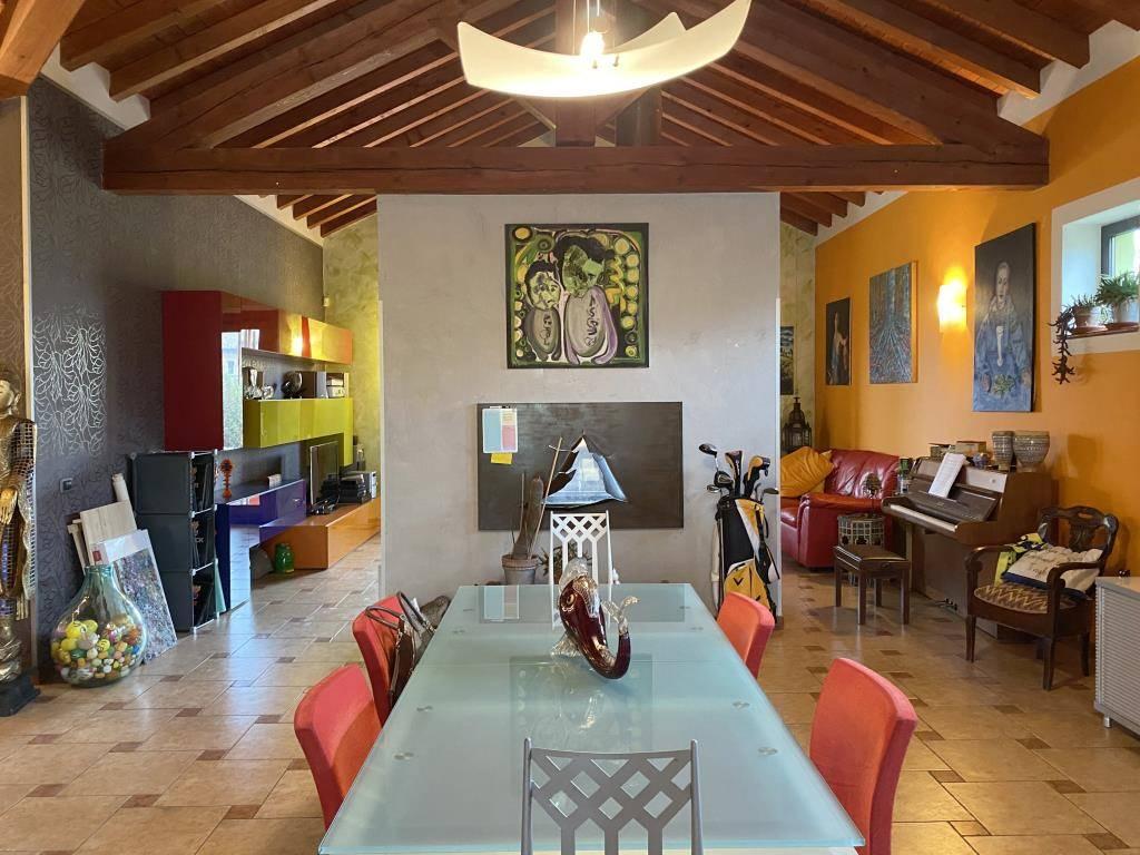 Villa in vendita a San Giorgio Piacentino, 5 locali, prezzo € 420.000 | CambioCasa.it