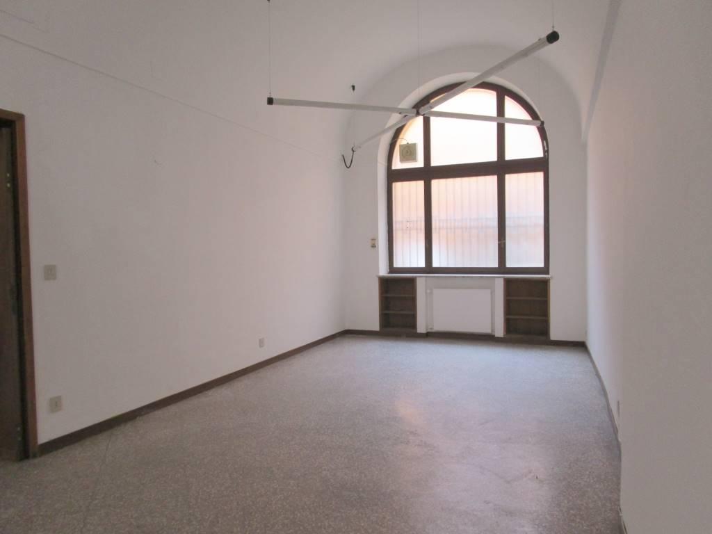 Ufficio Ztl Piacenza : Uffici in affitto a piacenza affitto ufficio tranquillo piacenza