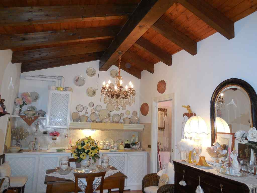Attico / Mansarda in vendita a Gragnano Trebbiense, 2 locali, prezzo € 54.000 | PortaleAgenzieImmobiliari.it