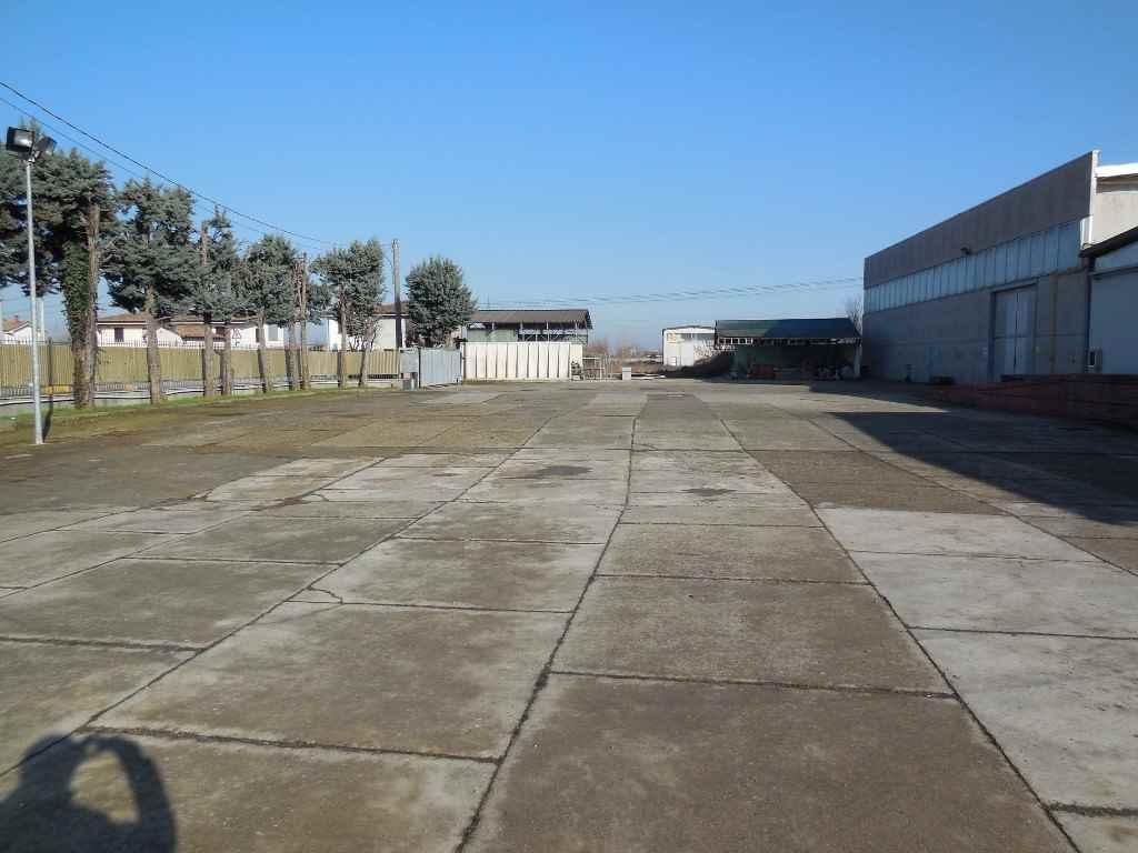 Capannone industriale, Piacenza