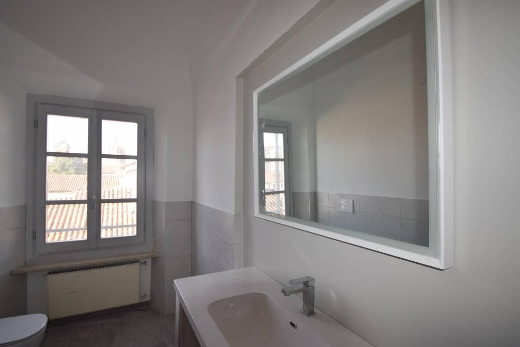 Appartamento in affitto a Piacenza, 4 locali, zona Zona: Centro storico, prezzo € 750 | CambioCasa.it