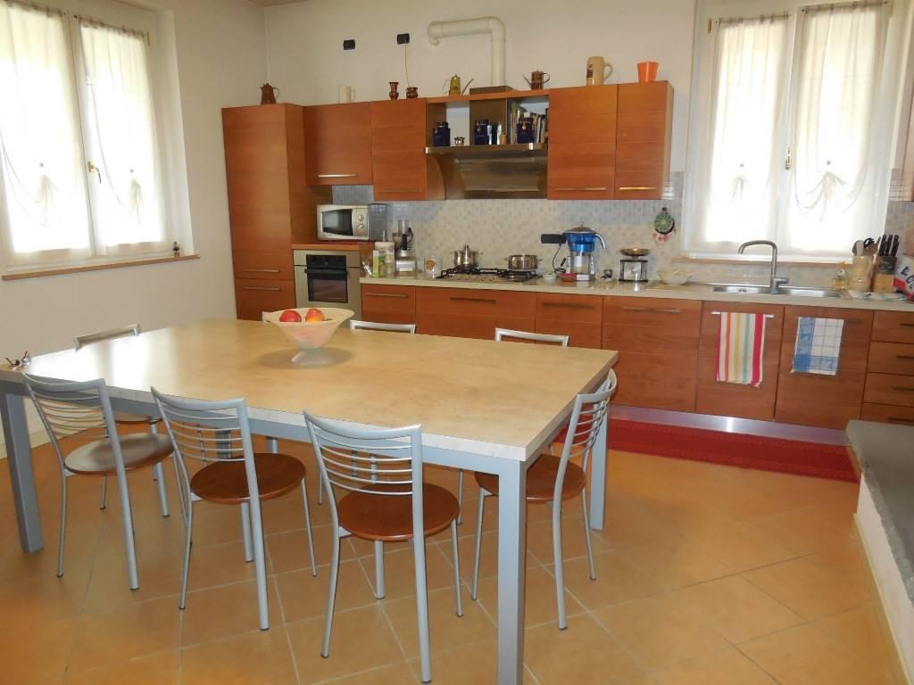 Villa, Podenzano, seminuova