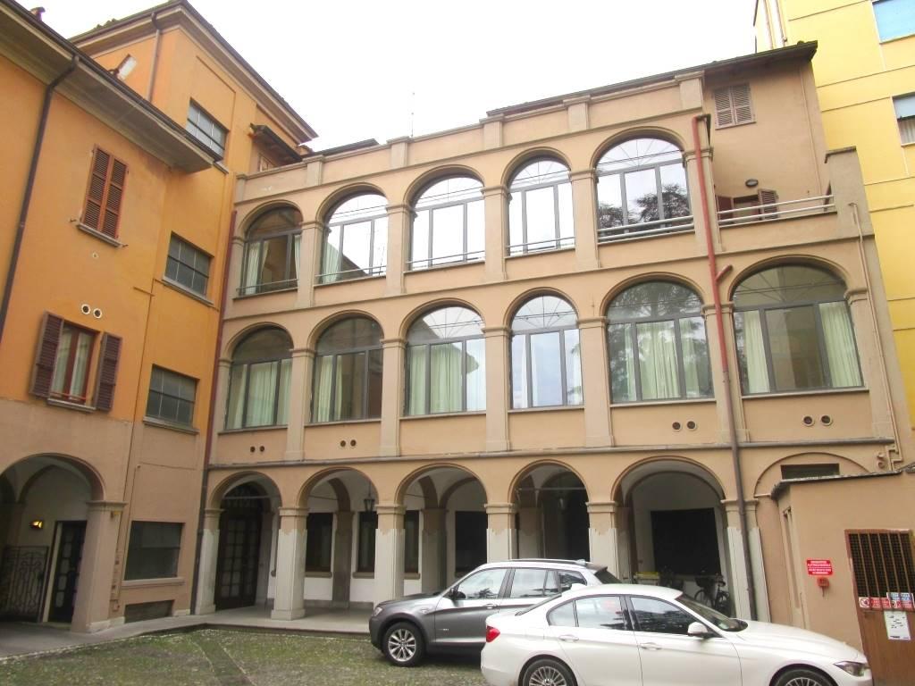 Trilocale, Centro Storico, Piacenza, in ottime condizioni
