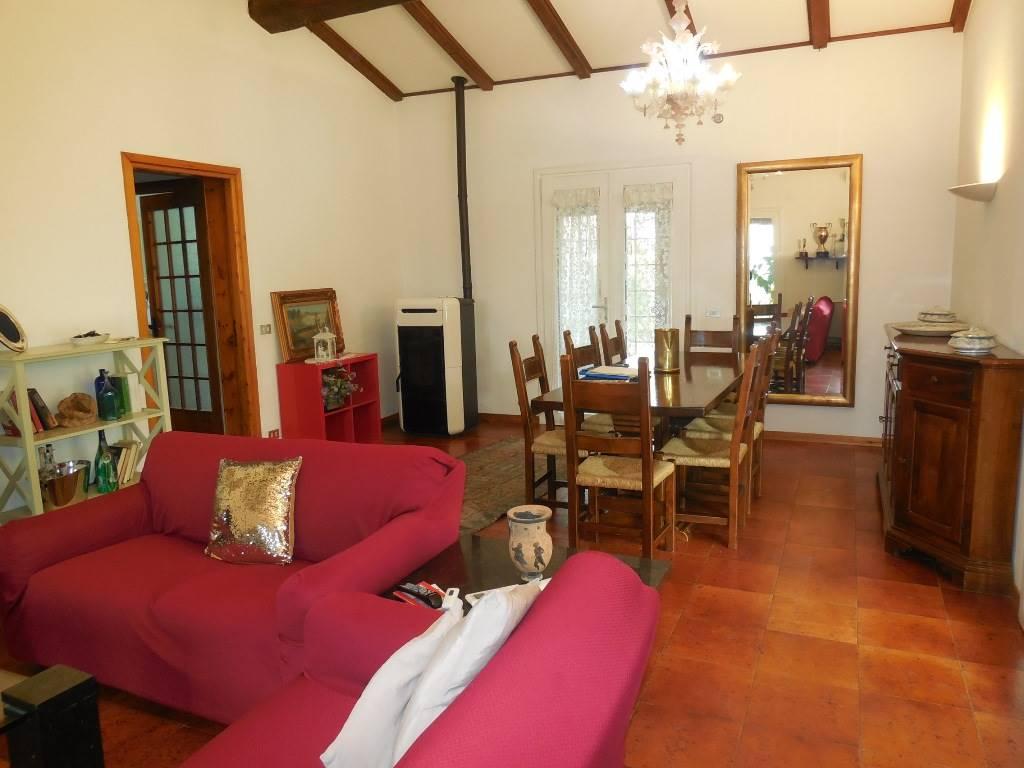 Villa, Rivergaro