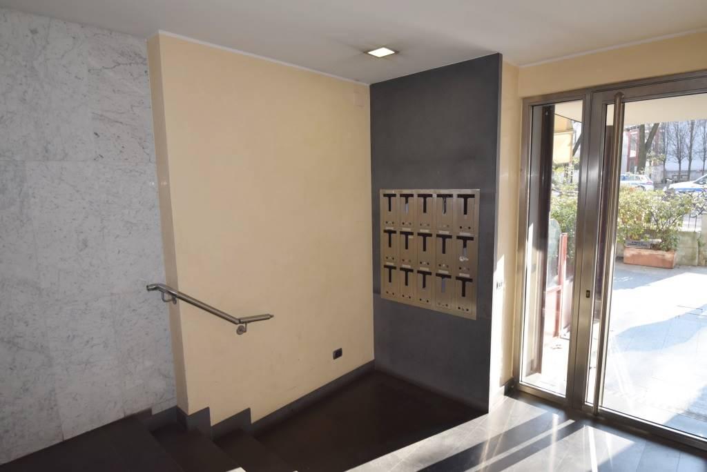 Ufficio Ztl Piacenza : Piacenza vendesi negozio ufficio in via beverora u ab consul