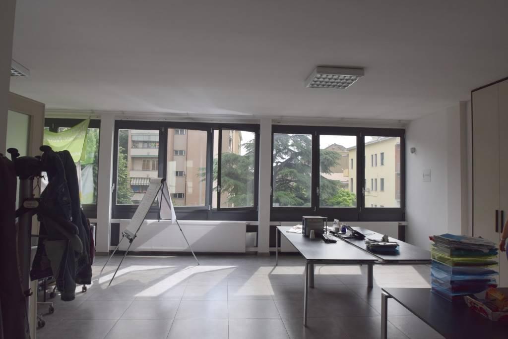 Ufficio Ztl Piacenza : Affitto commerciali u industriali a piacenza pc