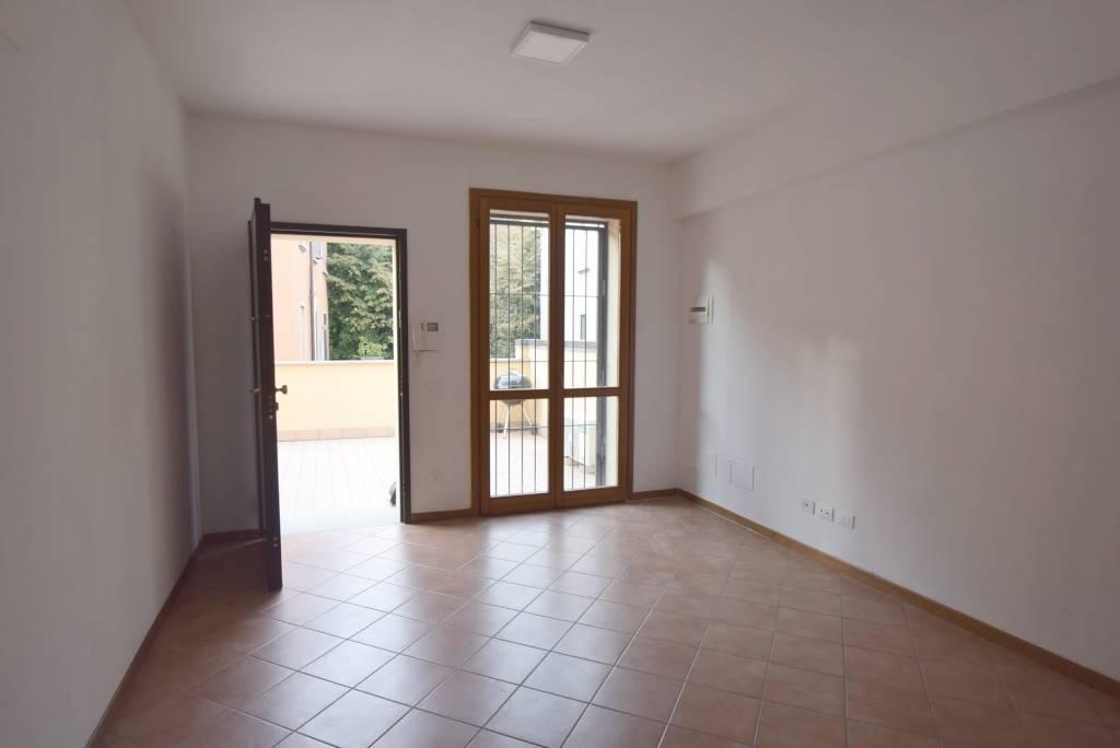 Appartamento in affitto a Piacenza, 2 locali, zona Zona: Centro storico, prezzo € 500 | CambioCasa.it