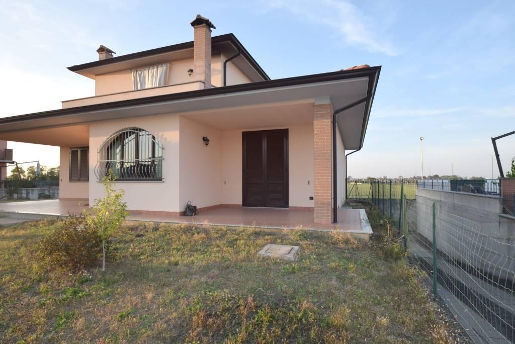 Appartamento in affitto a Piacenza, 5 locali, zona Zona: Mucinasso, prezzo € 1.200 | CambioCasa.it