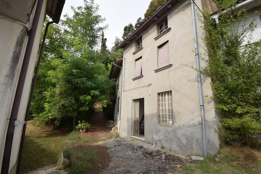 Casa semi indipendente, Gropparello, da ristrutturare