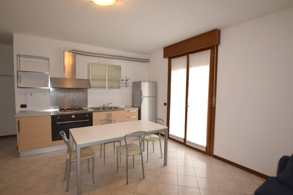 Appartamento in affitto a Piacenza, 3 locali, zona Località: CLINICA PIACENZA, prezzo € 700 | CambioCasa.it