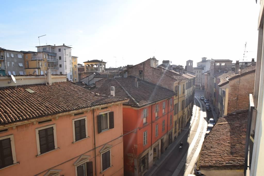 Quadrilocale in Via Campagna 28, Centro Storico, Piacenza