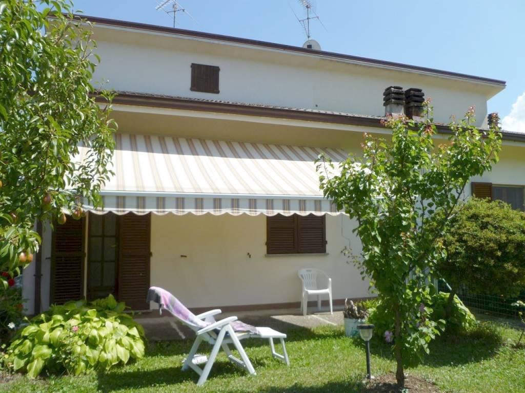 Casa semi indipendente, Castione, Ponte Dell'olio