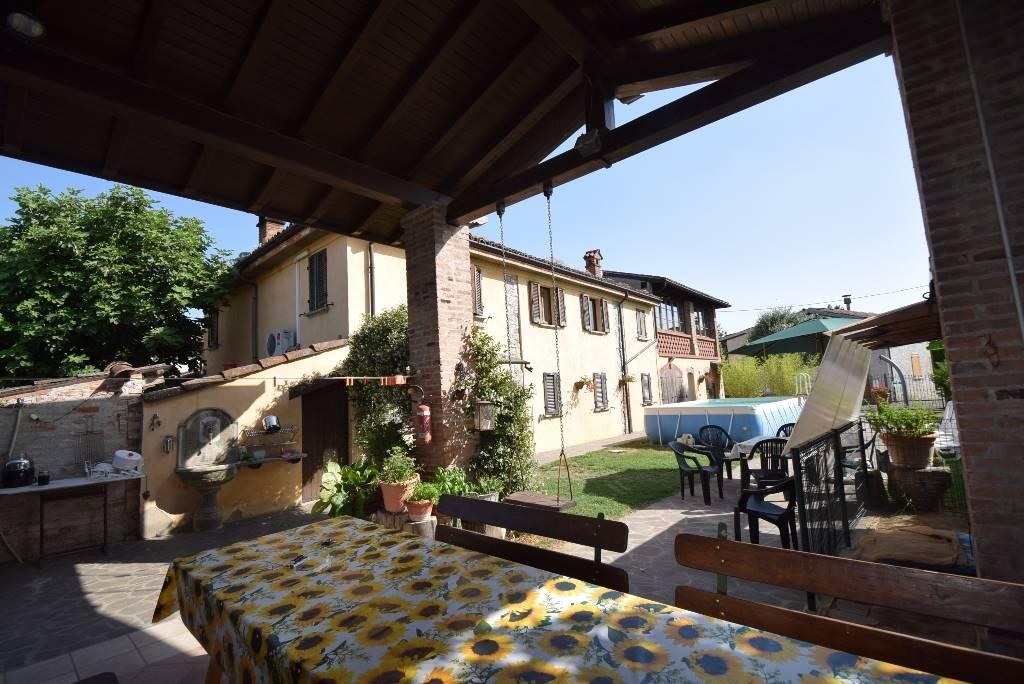 Rustico casale, Sarturano, Agazzano, in ottime condizioni