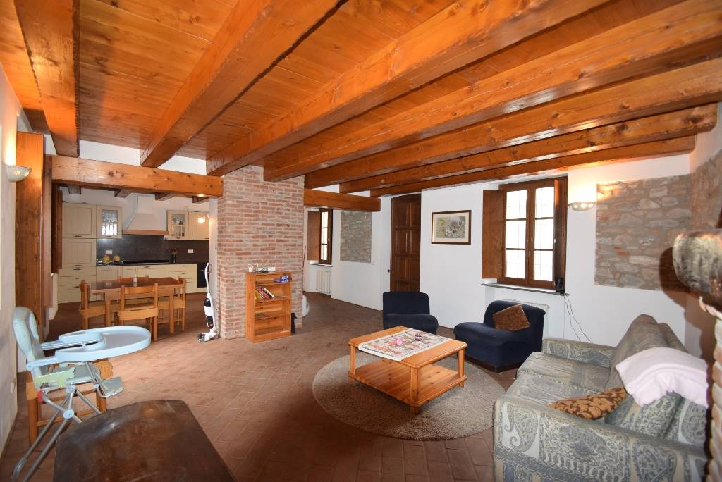 Casa singola, Pianello Val Tidone, ristrutturata