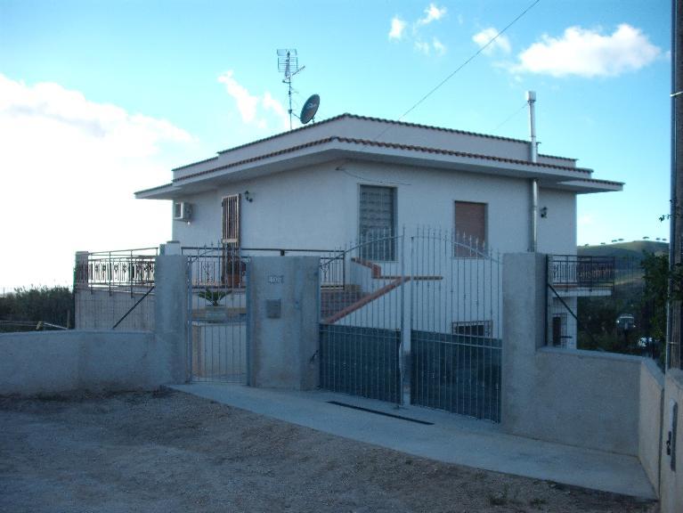 Kleine Villa in SALEMI 220 Qm | 7 Räume - Garage