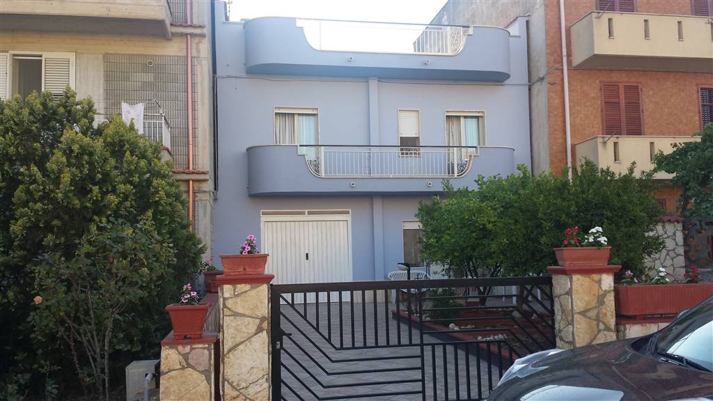 Detached house in GIBELLINA 150 Sq. mt. | 6 Rooms - Garage | Garden 100 Sq. mt.