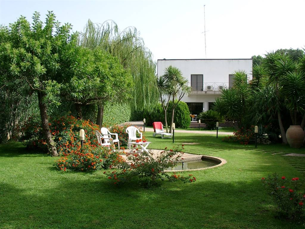 Villa in SALEMI 240 Sq. mt. | 8 Rooms - Garage | Garden 1600 Sq. mt.
