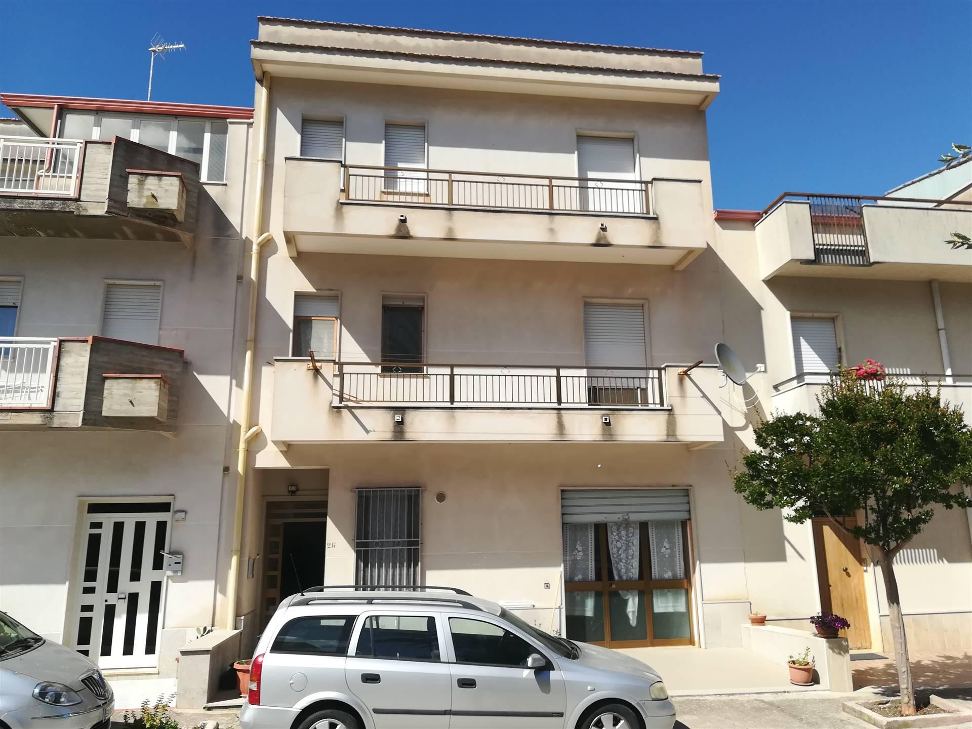 Einzelhaus in SALEMI 240 Qm | 11 Räume | Garten 100 Qm