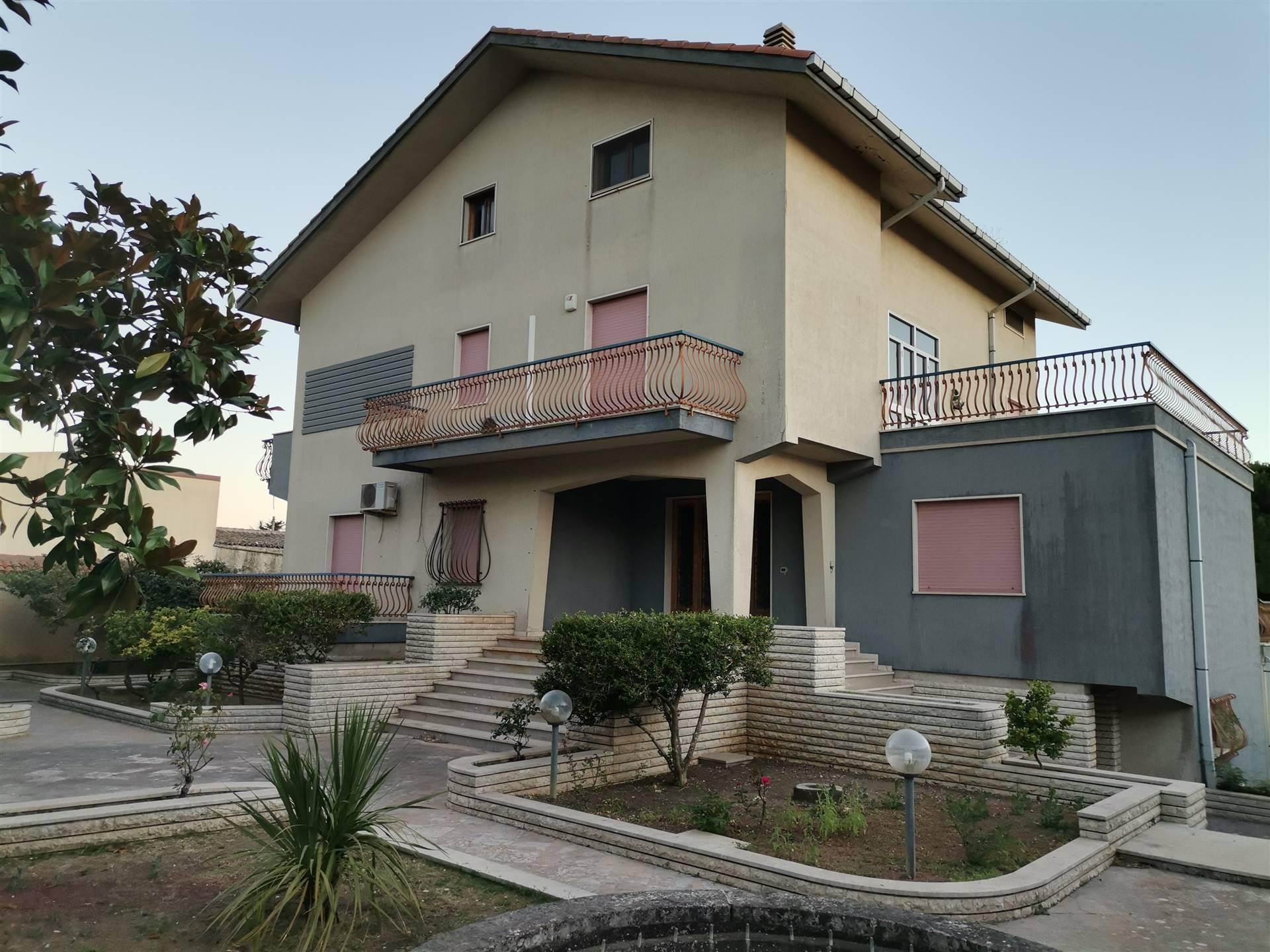 Villa a SALEMI 900 Mq | 25 Vani - Garage | Giardino 10000 Mq