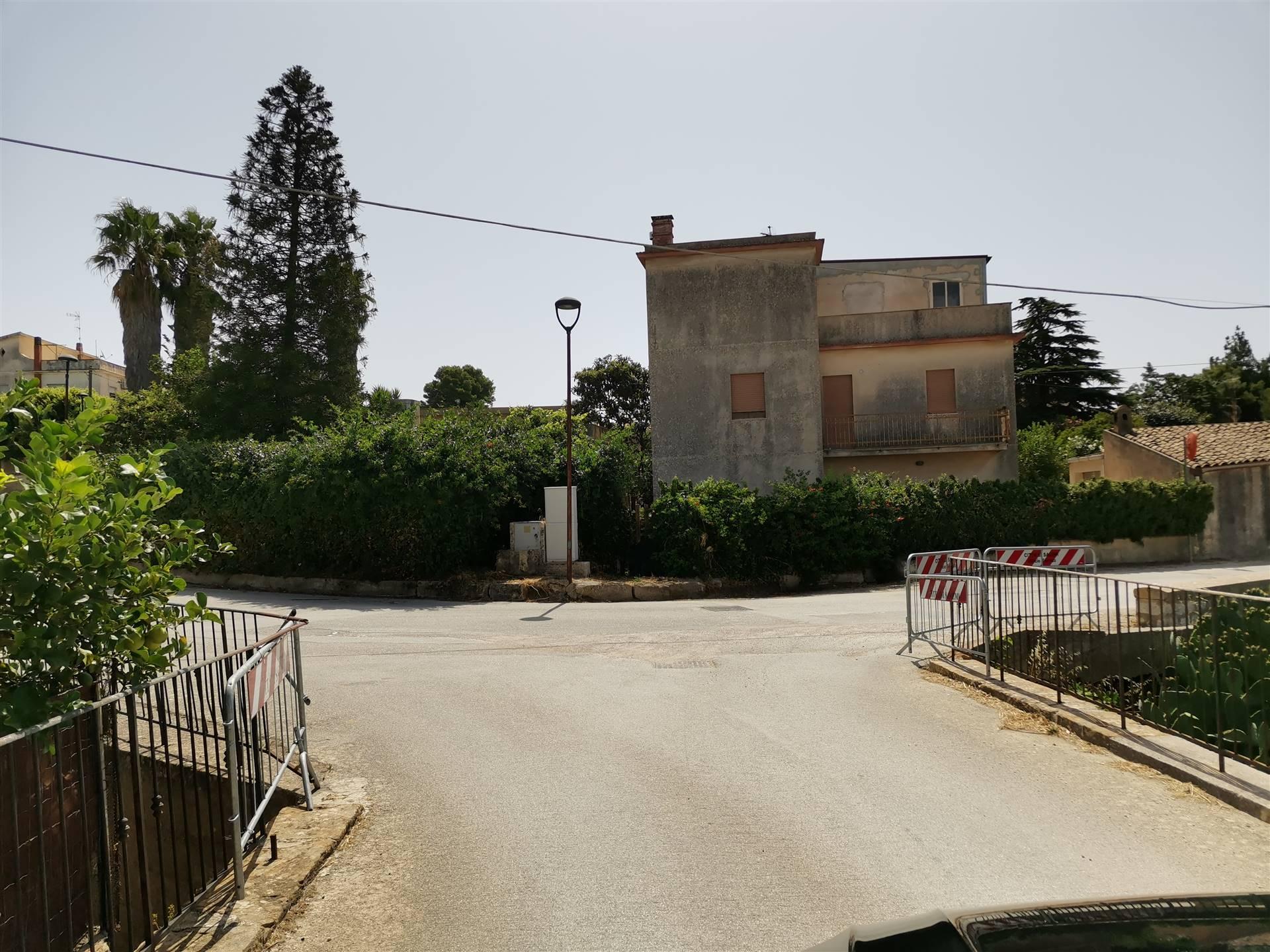 Villa a schiera a SALEMI 120 Mq | 6 Vani | Giardino 500 Mq