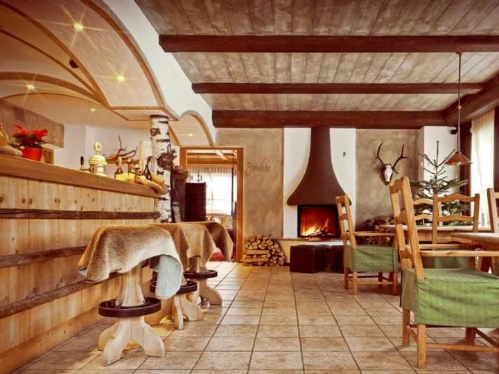 Albergo in vendita a Monguelfo, 9999 locali, Trattative riservate | CambioCasa.it