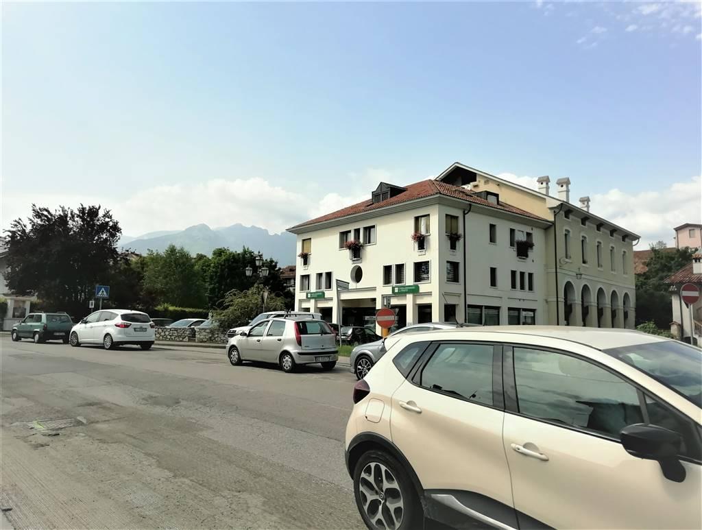 Ufficio / Studio in affitto a Feltre, 9999 locali, prezzo € 900 | CambioCasa.it