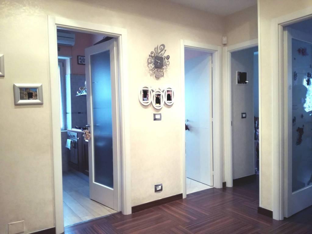 Civitavecchia, zona centralissima, a 200 metri dalla madonnina, proponiamo appartamento, luminoso in ottimo stato. mq. 95 con 2 ampie camere da letto,