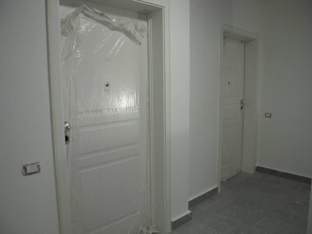 In Nuova Costruzione, vendiamo Appartamento composto da sala con angolo cottura, una camera, un bagno e ampio terrazzo. Disponiamo di altre tipologie