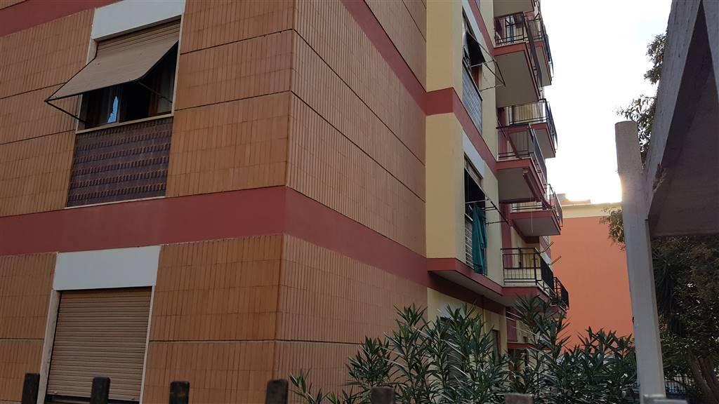 Tra via Leopoli e via Apollodoro, più esattamente in via Don Morosini, proponiamo la Nuda Proprietà di un appartamento al piano secondo di 104 mq.,