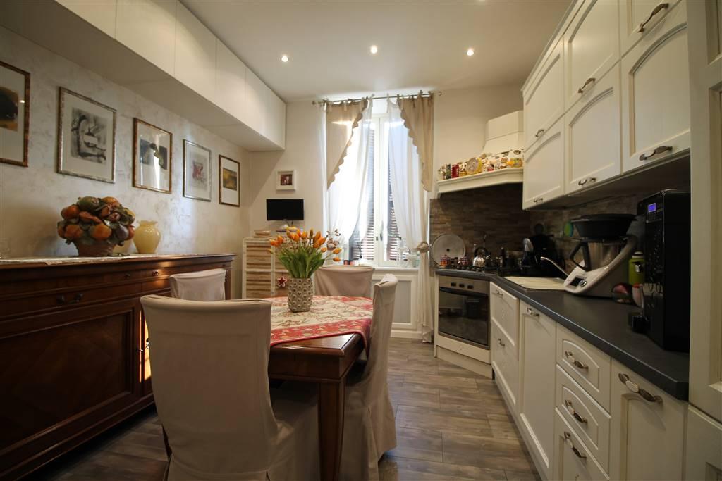 In Palazzina di soli 4 appartamenti, proponiamo un bellissimo appartamento completamente ristrutturato nel 2016, composto da soggiorno-cucina, due