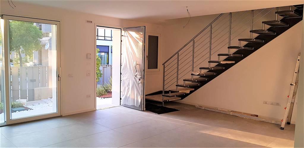 Villa a Schiera in vendita a Zero Branco, 5 locali, zona Località: ZERO BRANCO, prezzo € 290.000 | CambioCasa.it