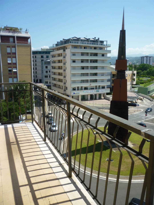 Appartamento in affitto a Terni, 4 locali, zona Località: CORSO DEL POPOLO, prezzo € 500 | CambioCasa.it