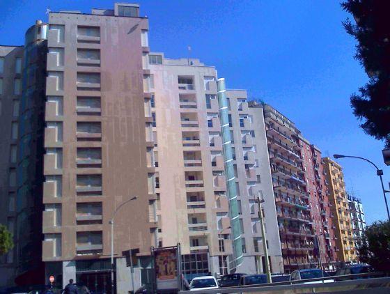 Via Dante ad.ze Bestat - Ex Hotel Principe - In stabile interamente ristrutturato,vendiamo due nuovissimi appartamenti, uno al terzo e uno al quarto