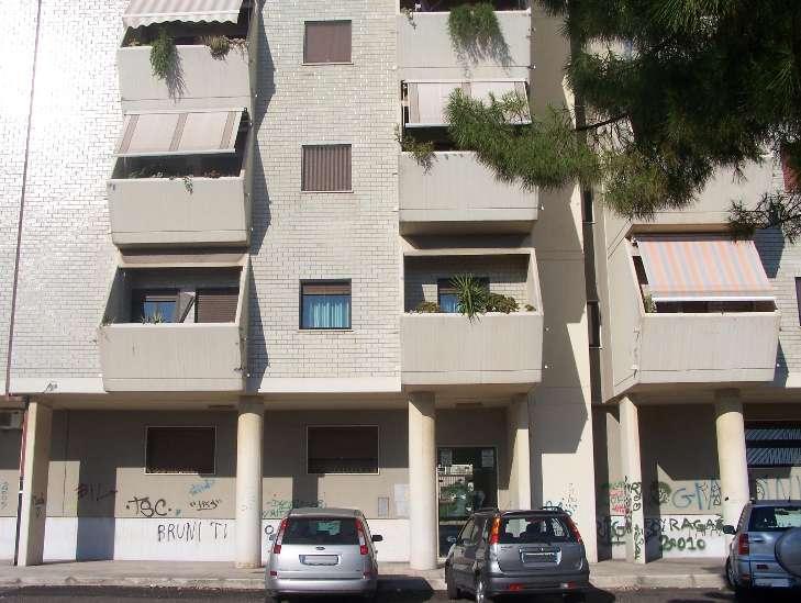 Viale Virgilio adiacenze Giardini Virgilio - Splendida vista mare, appartamento al primo piano composto da ingresso/saloncino, cucina abitabile, due