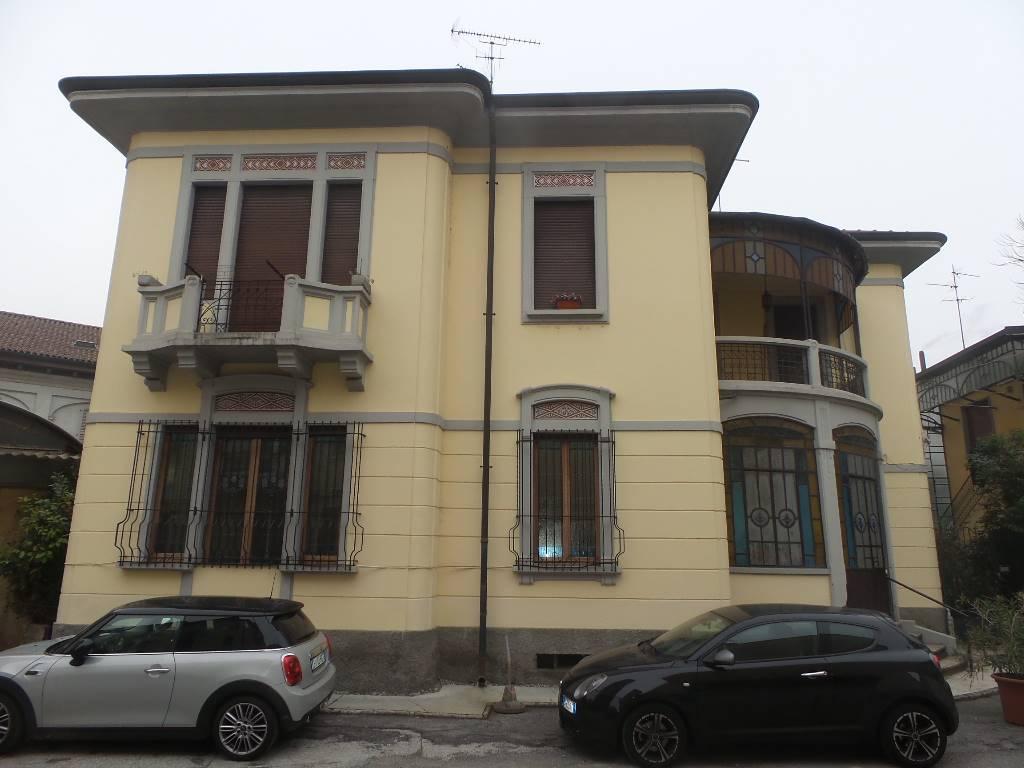 Appartamento, Centro Storico, San Gerardo, Libertà, Monza, da ristrutturare