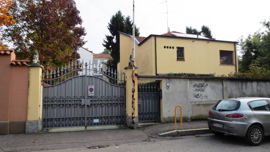 Trilocale in Via Cimarosa 2, Parco (vedano), Monza