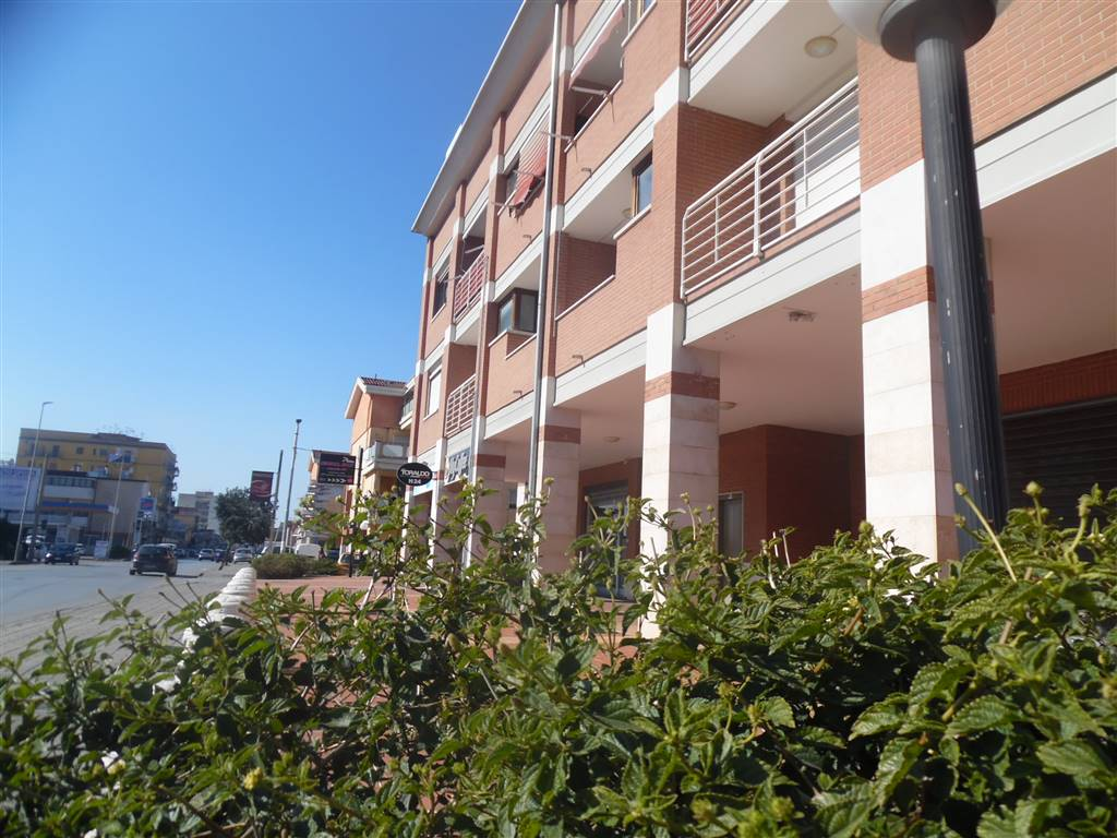 ANGRI, Apartment for sale of 75 Sq. mt., Good condition, Heating Individual heating system, Energetic class: G, placed at 2°, composed by: 2 Rooms,