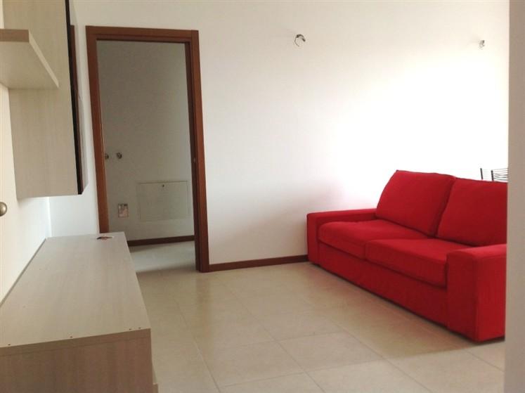 Appartamento in affitto a Lungavilla, 2 locali, prezzo € 380 | CambioCasa.it