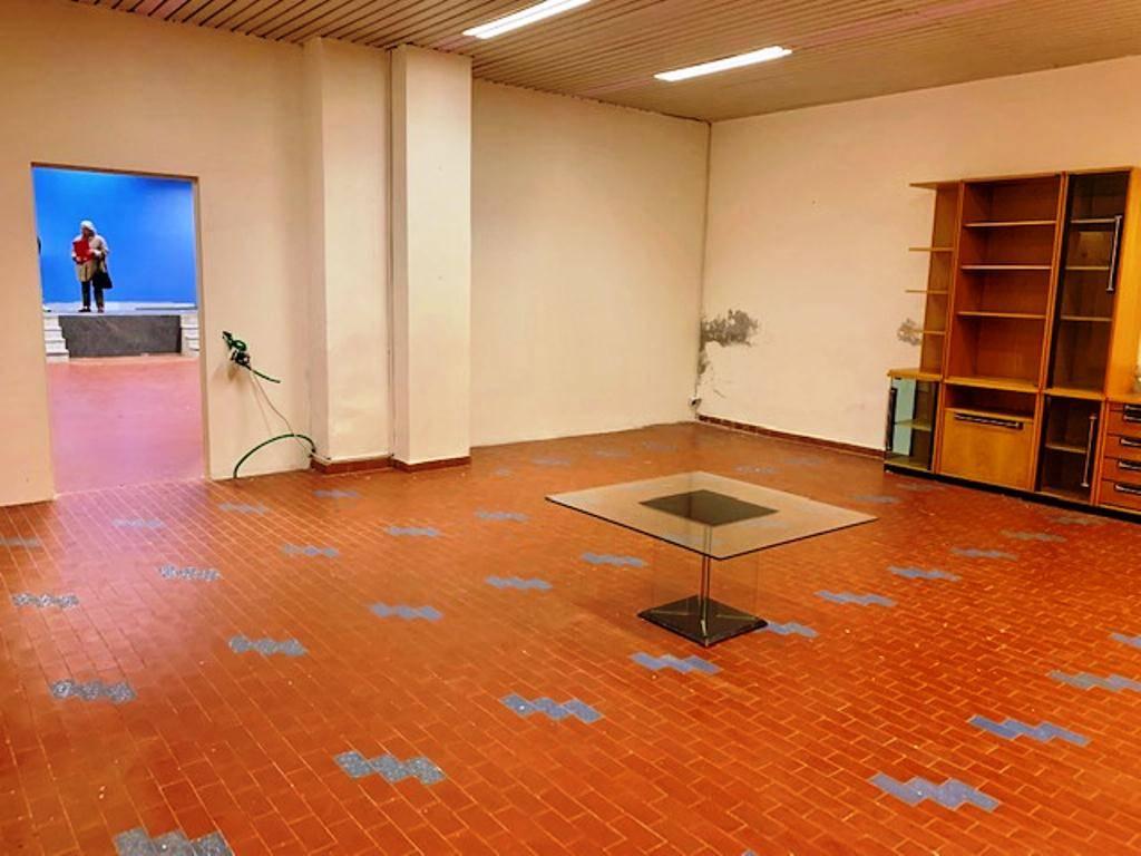 Negozio / Locale in affitto a Voghera, 2 locali, prezzo € 1.200 | PortaleAgenzieImmobiliari.it