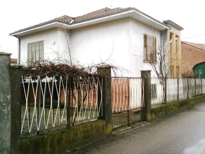 Soluzione Indipendente in vendita a Corana, 4 locali, zona Località: GHIAIE, prezzo € 70.000 | CambioCasa.it