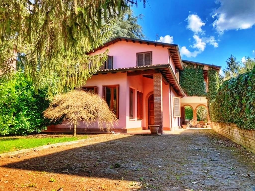 Villa in vendita a Rivanazzano, 6 locali, zona ce, prezzo € 290.000 | PortaleAgenzieImmobiliari.it