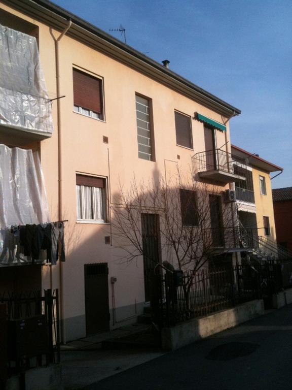 Appartamento in affitto a Casei Gerola, 2 locali, prezzo € 280 | CambioCasa.it
