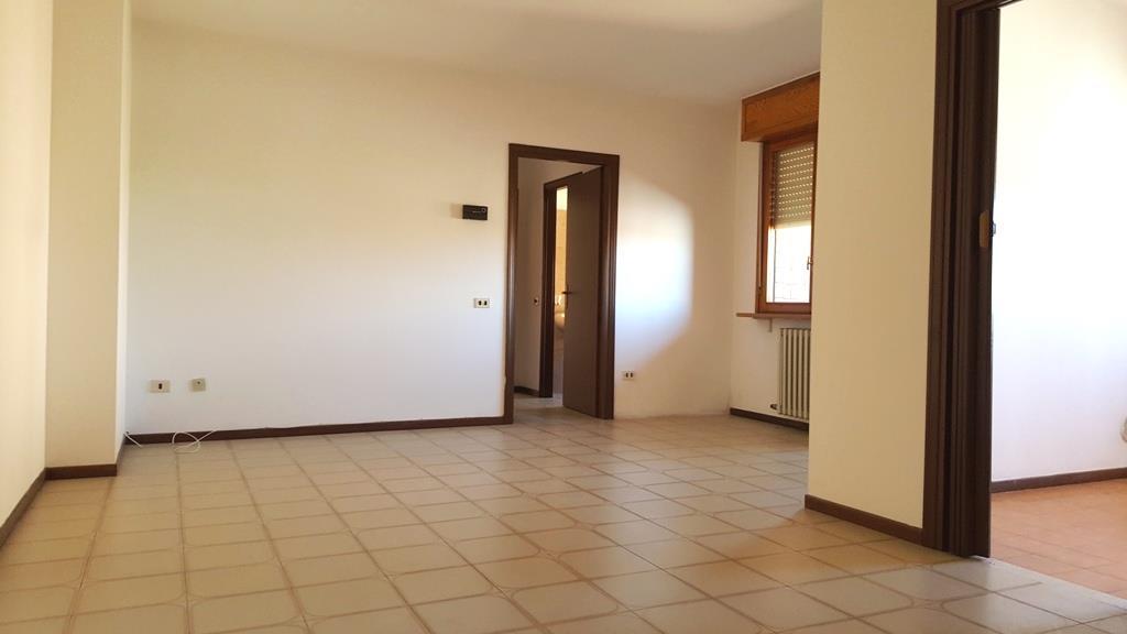 Appartamento in vendita a Voghera, 3 locali, prezzo € 72.000 | CambioCasa.it