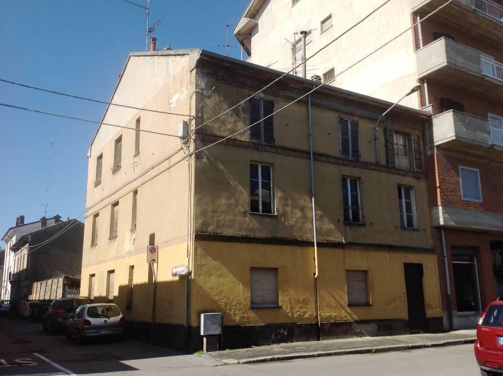 Palazzo / Stabile in vendita a Pontecurone, 20 locali, Trattative riservate | CambioCasa.it