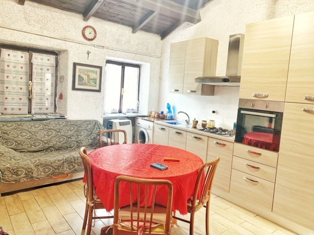 Appartamento in vendita a Codevilla, 2 locali, prezzo € 35.000   CambioCasa.it