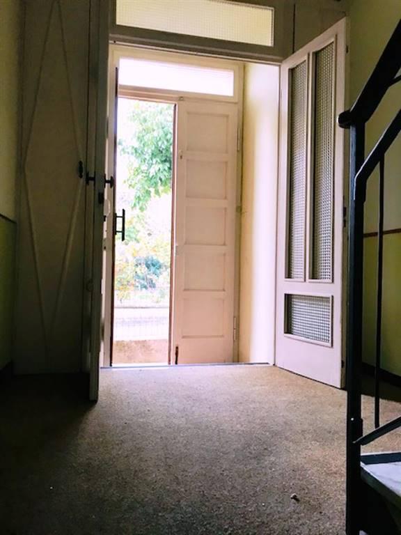 Villa in vendita a Rivanazzano, 10 locali, prezzo € 260.000   CambioCasa.it