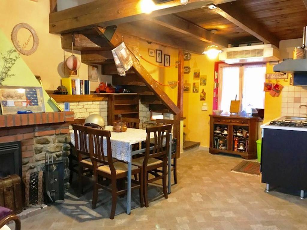 Casa semi indipendente, Carezzano, ristrutturato