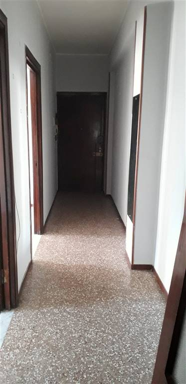 Appartamento in vendita a Voghera, 3 locali, prezzo € 40.000 | CambioCasa.it