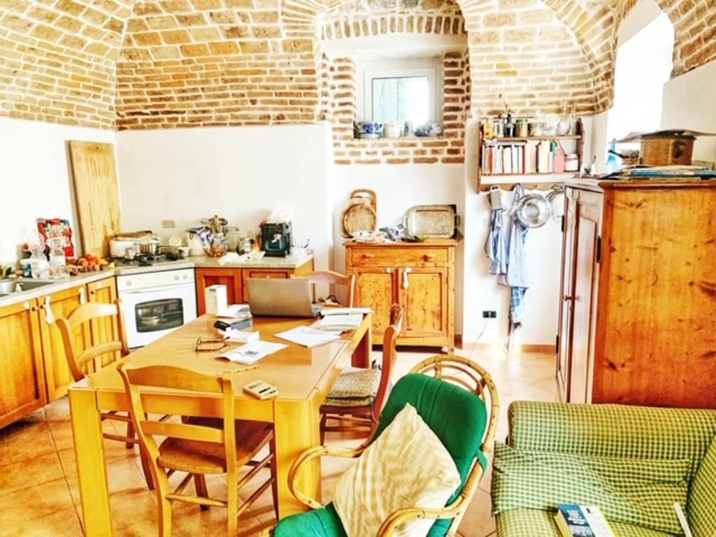 Soluzione Semindipendente in vendita a Volpeglino, 6 locali, prezzo € 150.000   CambioCasa.it